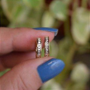 Brinco argolinha reta m zircônia ouro semijoia
