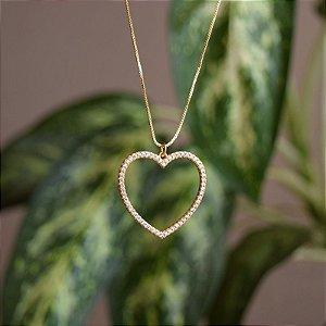 Colar coração vazado cristais ouro semijoia