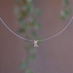 Colar fio de nylon letra K ouro semijoia