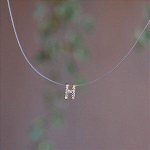 Colar fio de nylon letra H ouro semijoia