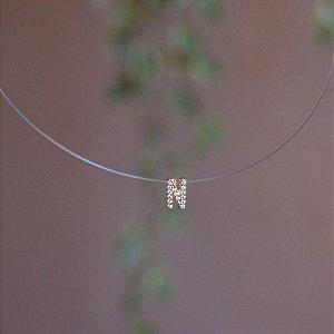 Colar fio de nylon letra N ouro semijoia