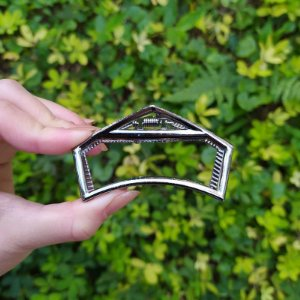 Piranha de cabelo vazada metal grafite