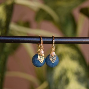 Brinco argolinha pedra azul ouro semijoia
