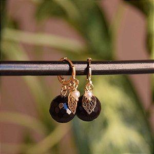 Brinco argolinha pedra preta ouro semijoia