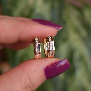 Brinco argolinha zircônias ouro semijoia