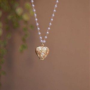 Colar curto relicário coração pérola ouro semijoia