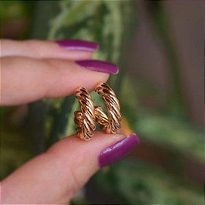 Brinco argolinha torcida p ouro semijoia