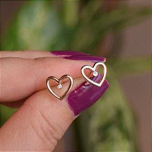 Brinco coração vazado zircônia ouro semijoia 21a03015