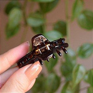 Piranha de cabelo pequeno francesa Finestra marrom N340