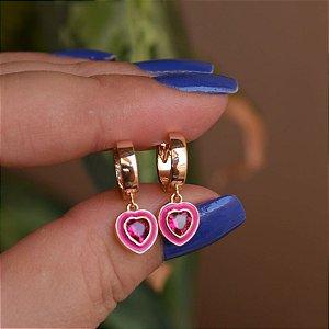 Brinco argolinha coração esmaltado cristal rosa ouro semijoia 21a04017