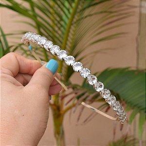 Tiara metal prateado com cristais redondos