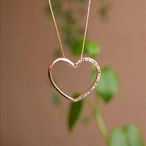 Colar coração vazado zircônia colorida ouro semijoia