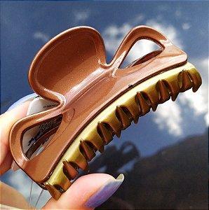 Piranha de cabelo francesa Finestra marrom dourado F2843MBO