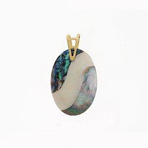 Pingente oval mosaico madrepérola ouro semijoia
