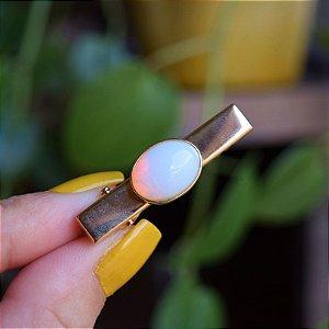 Presilha bico de pato infantil pedra natural oval opalina ouro semijoia
