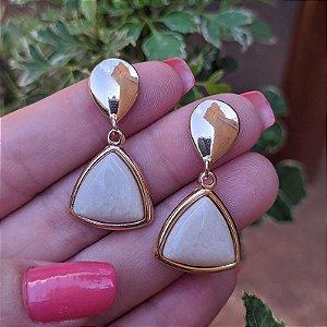 Brinco pressão pedra natural amazonita bege ouro semijoia