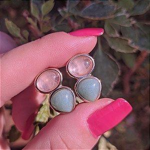 Brinco pedras naturais quartzo rosa e quartzo verde ouro semijoia