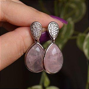 Brinco gota pedra natural quartzo rosa zircônia ródio semijoia