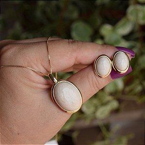Colar e brinco oval pedra natural amazonita bege ouro semijoia