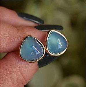 Brinco gota pedra natural ágata azul céu ouro semijoia