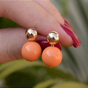 Brinco bola laranja ouro semijoia