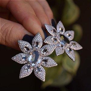 Brinco Suntuoso Flor Cristal Ródio Semijoia