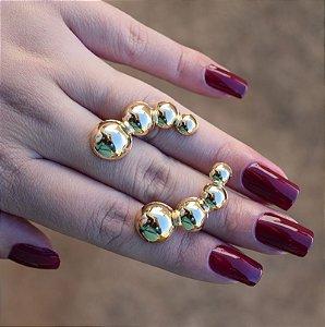 Brinco ear cuff Leticia Sarabia  esferas dourado