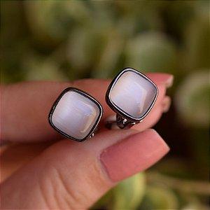 Brinco pressão quadrado olho de gato ródio negro semijoia