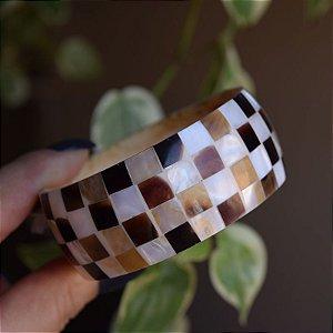 Bracelete madrepérola quadriculado