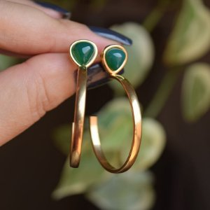 Brinco argola pedra natural ágata verde ouro semijoia