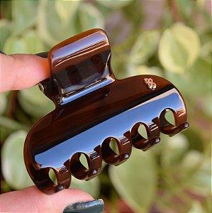 Piranha de cabelo grande Bianca marrom 05 003