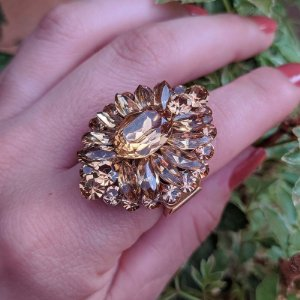 Anel Iza Perobelli ajustável dourado cristal