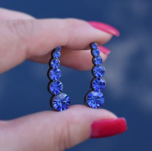 Brinco ear cuff Leticia Sarabia cristal azul royal