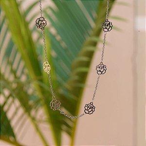 Colar flor ródio negro semijoia