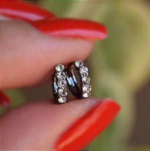 Brinco argolinha fina segundo furo ródio negro strass cristal semijoia 13A02070