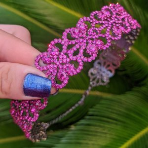 Colar choker Letícia Sarabia cristal pink