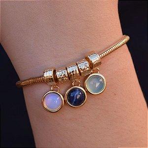 Pulseira pedras naturais opalina sodalita e ágata azul céu ouro semijoia