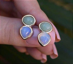 Brinco pedras naturais quartzo verde e opalina ouro semijoia