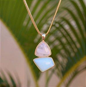 Colar geométrico pedras naturais quartzo rosa e opalina ouro semijoia