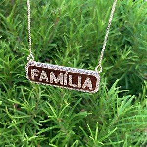 Colar placa Família zircônia ouro semijoia