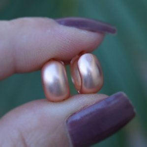 Brinco argolinha m ouro rosê fosco semijoia 19k11127