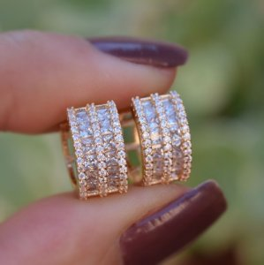 Brinco argolinha zircônia cristal ouro semijoia 19K07027