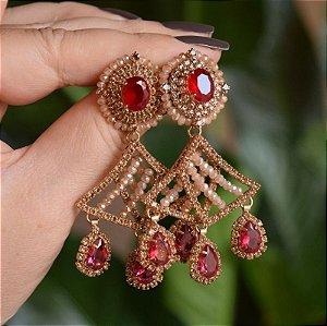 Brinco Claudia Marisguia cristais topázio e vermelho