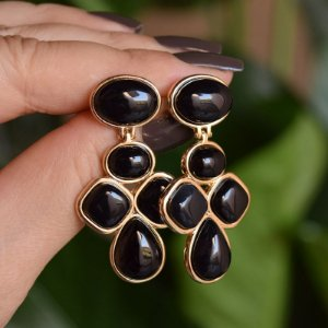 Brinco pedra natural ágata preta ouro semijoia