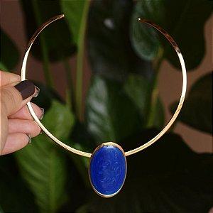 Colar aro Lázara Design medalha azul jeans esmaltado dourado