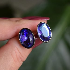 Brinco oval Leticia Sarabia cristal azul