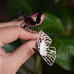 Brinco Leticia Sarabia borboleta prateado