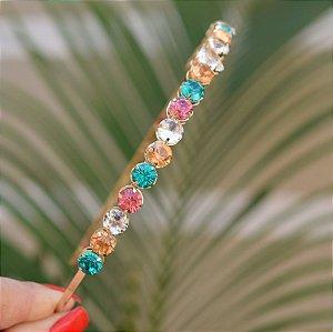Tiara metal dourado com cristais coloridos