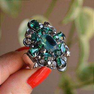 Anel ajustável Iza Perobelli cristais verde e fumê