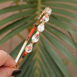 Tiara metal dourado com cristais ovais e gotas